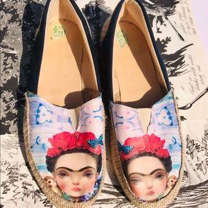 Frida Kahlo Flats Size 7 1/2 shoes